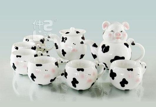 透明釉小猪造型10头茶具组